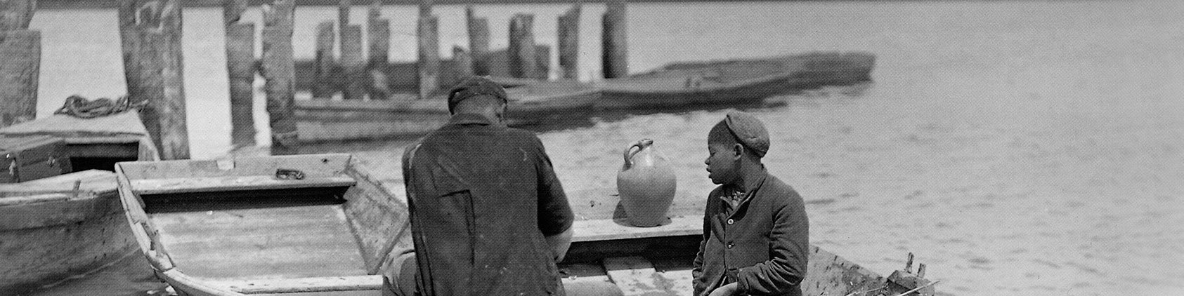Historic photo of Gullah boat workers