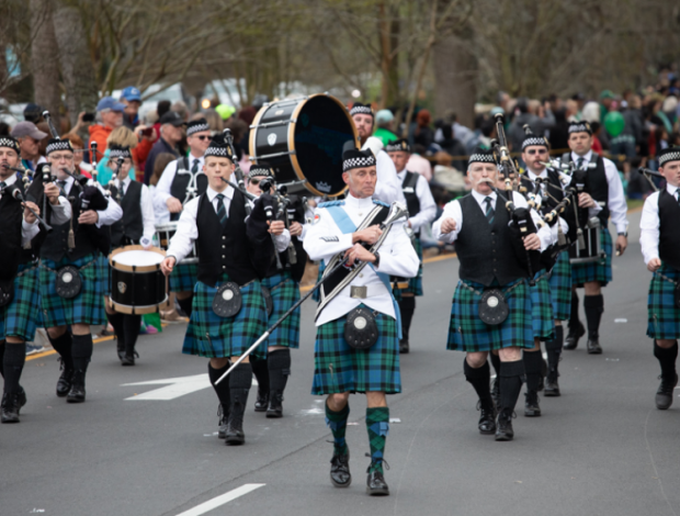 Bagpipers play in parade