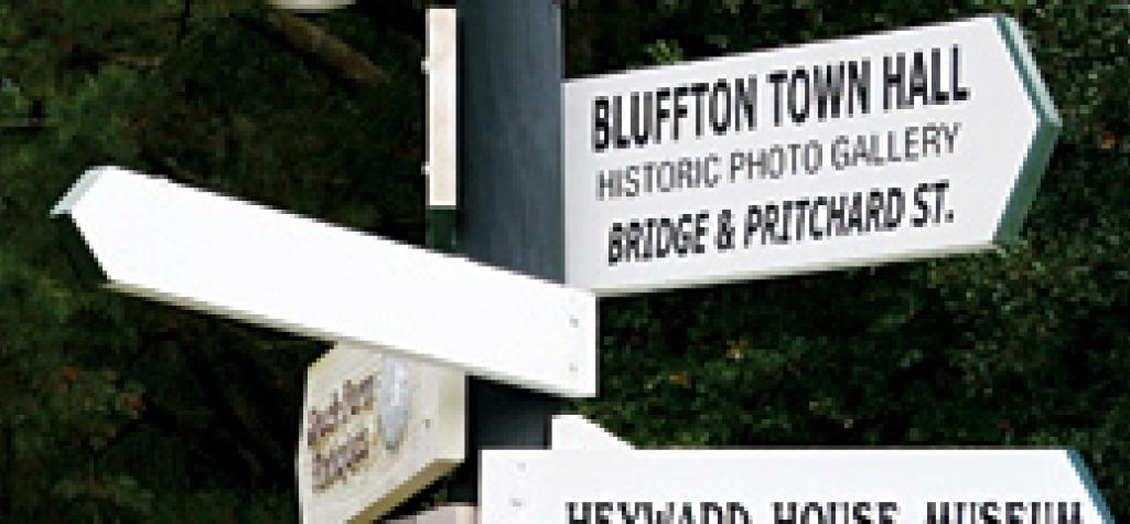 Bluffton sign pointing in multiple directions.