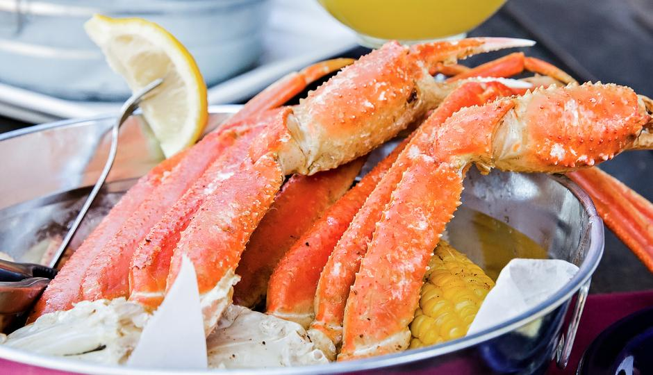 Crackin' Crab Tuesdays at Aunt Chilada's Easy Street Café
